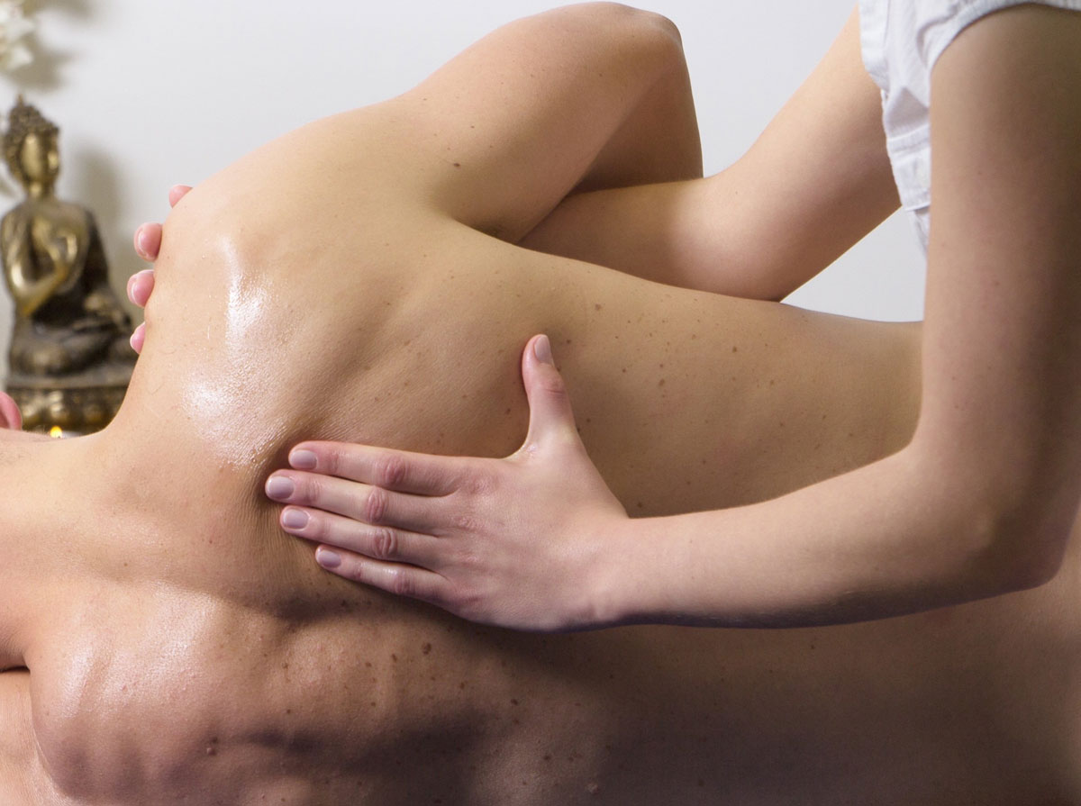Sports massage for pain relief